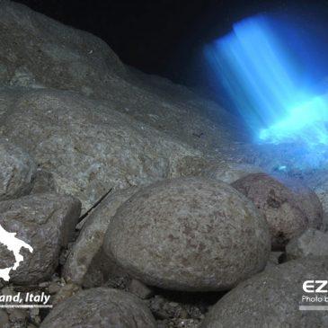 野外洞穴:薩丁島的水下奇蹟